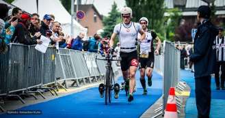 leading runners: Jan van Berkel CH and Ronnie Schildknecht - close together