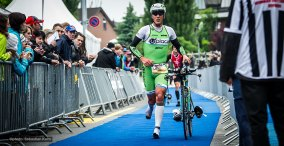 following athlete: Axel Zeebroek BEL