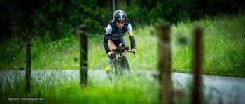 Kristin Moeller DE focused on the race
